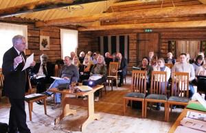 Auditoorium kuulamas professor Kalmi ettekannet